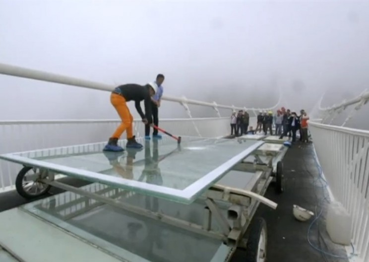 China Tests Glass Bridge by Striking it with a Sledgehammer