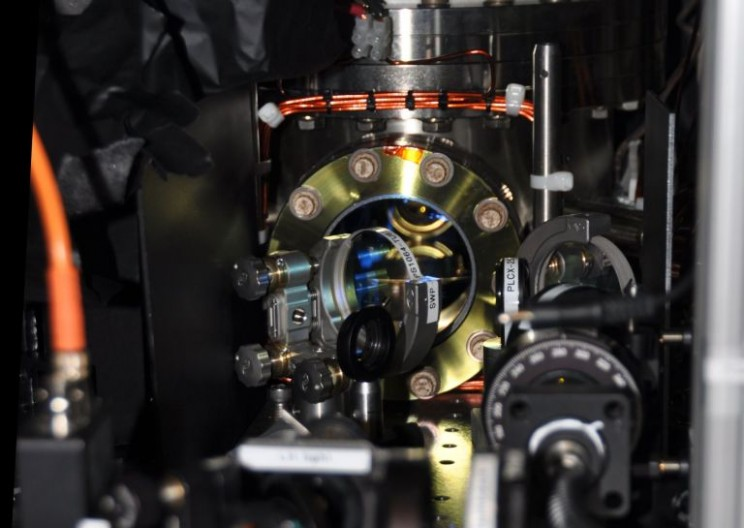 Newly Developed State of Matter Combines Superfluidity and Solidity