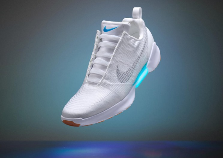 Nike's Self-Lacing Sneakers Will be Available in November!