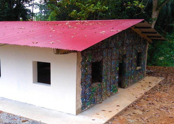 Plastic Bottle Village of Panama: an Eco-Residential Community