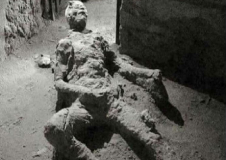 The Controversial Position of This Pompeii Victim Is Stirring up the Internet