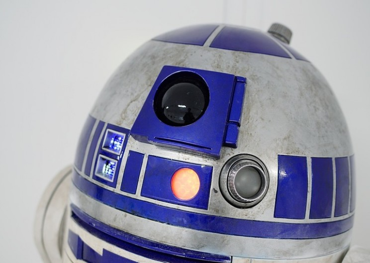 Star Wars Fan-Favorite R2-D2 Sells for $2.76 Million at Auction