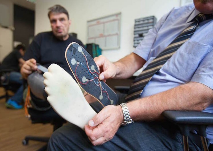 This Prosthetic Leg Enables Amputees Feel the Ground They Walk On