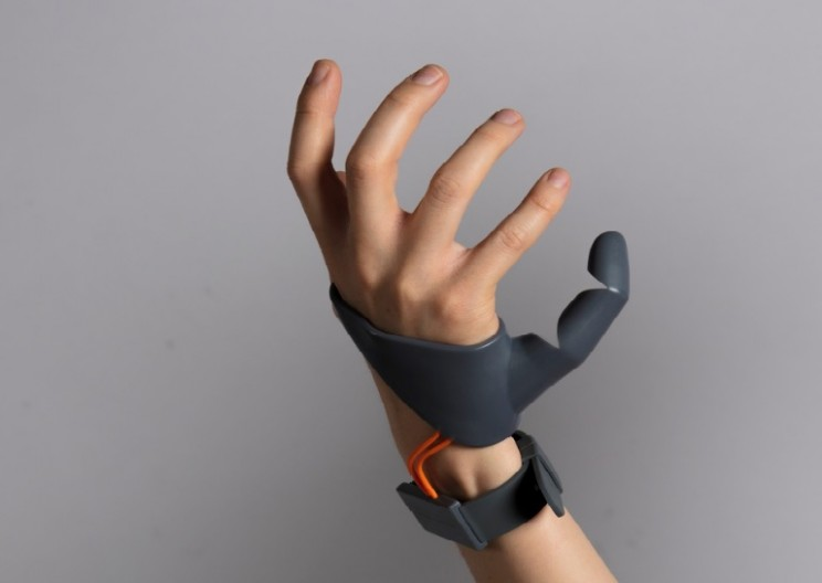 This 3D Printed 'Third Thumb' Prosthetic Can Extend Its User's Abilities