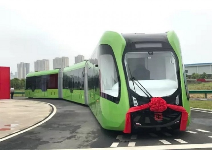 China's New Autonomous Train Doesn't Even Need Rails