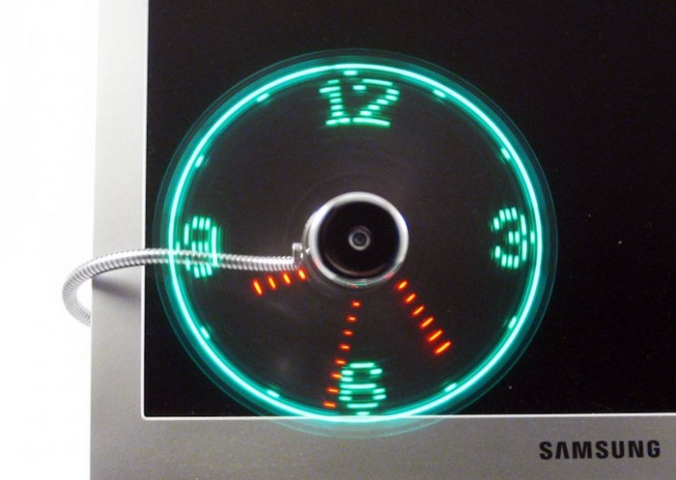 Creatively Useful LED Fan Clock