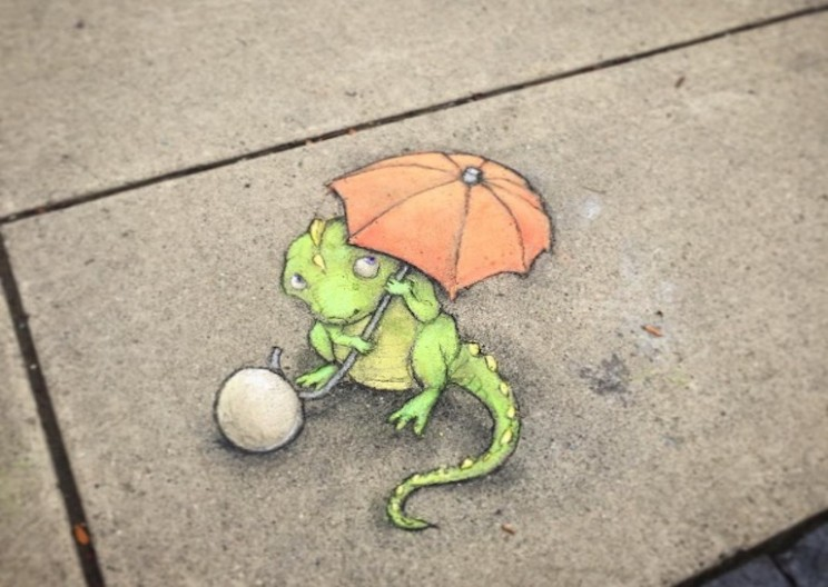 Artist Creates Adorable Characters with Chalk on the Street