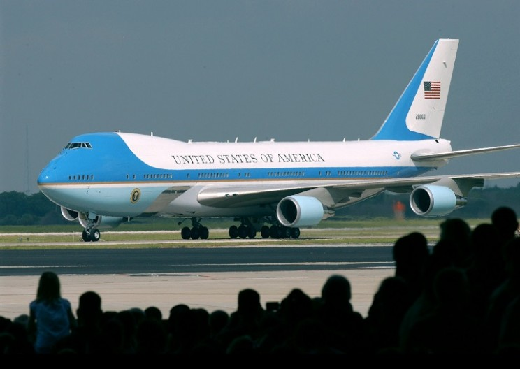 Air Force One Mechanics Cause $4 Million Damage to Oxygen Systems
