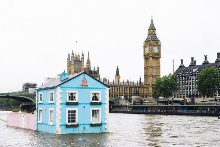 Airbnb float a fully functioning house down the River Thames