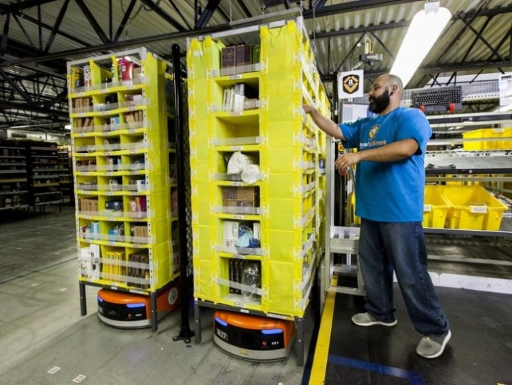 Your Amazon order may be packed by a robot