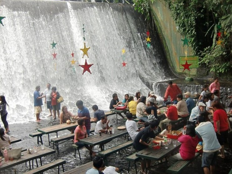 Philippines waterfall restaurant gives you a refreshing soak with dinner