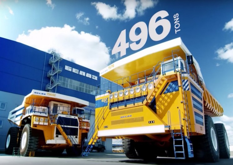 Big Dump Trucks >> World S Largest Dump Truck Weighs In At 496 Tons