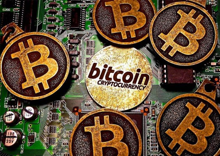 Bitcoin Officially Splits in Two! Here Are the Details