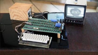 Apple 1 computer fetches US$905,000 at Bonhams