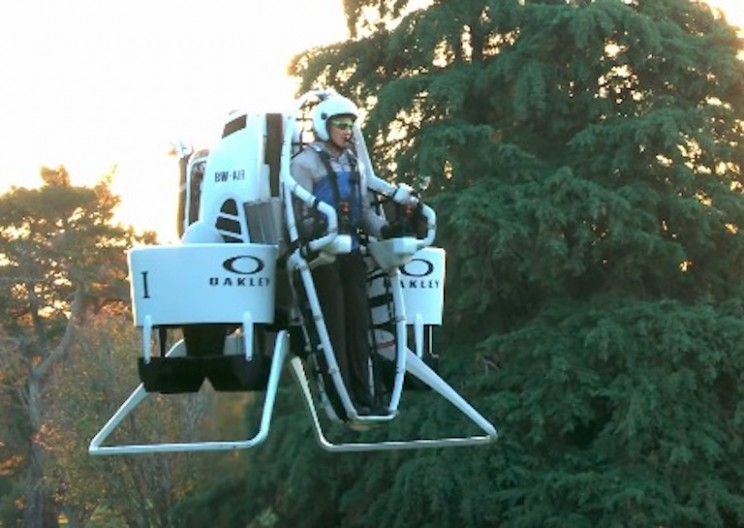 Professional Golfer Creates Jetpack to Avoid Golf Carts
