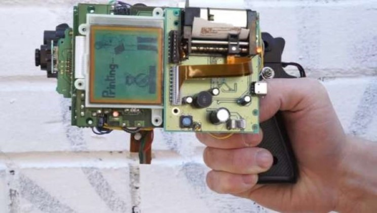 Cross a Gameboy with a gun and you can really shoot your photos