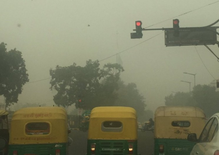 These Smoggy Photos Capture Delhi's Pollution Disaster