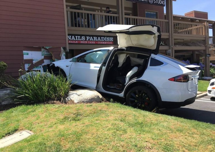 Tesla Model X Crashes into Building – Definitely Driver Error