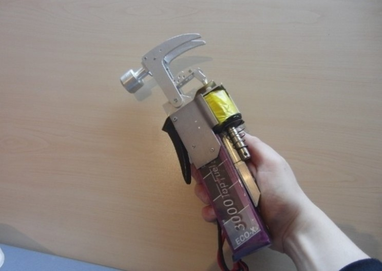 Fan recreates working Homer Simpson electric hammer