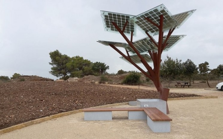 Electricity grows on trees in Israel thanks to the eTree