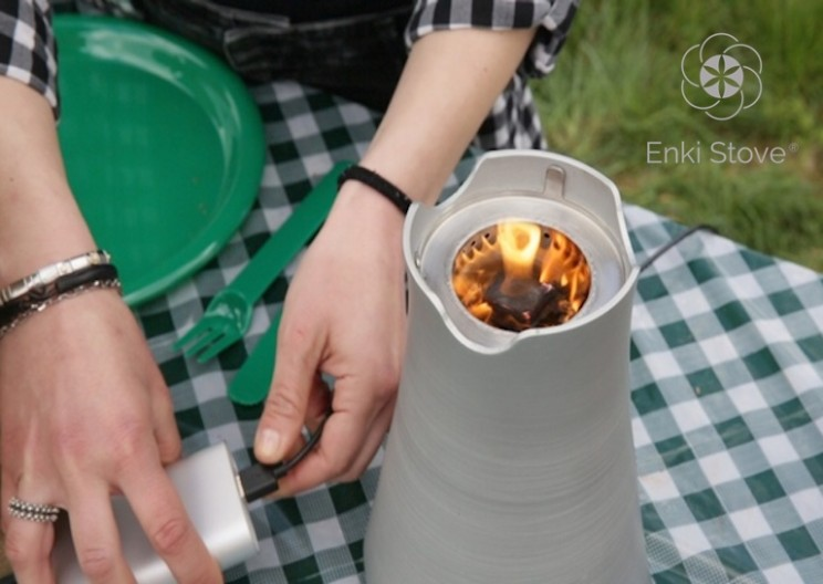 Revolutionary Stove Allows You to Cook with Any Biomass