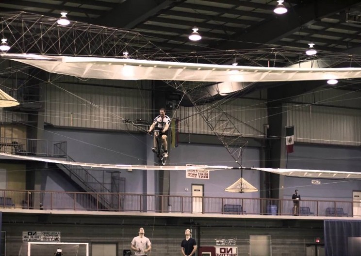 Aerovelo's Human-Powered Helicopter Wins $250,000 Prize