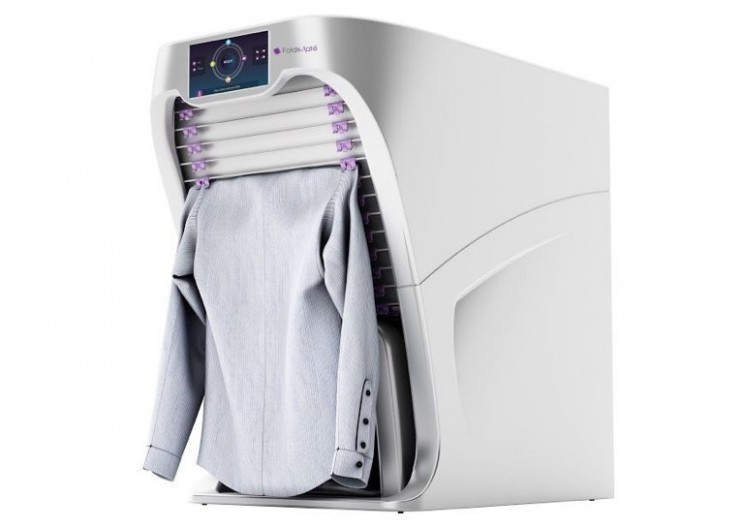 Amazing Machine Folds Your Clean Clothes for You!