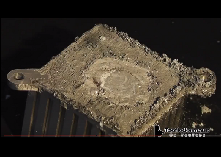 WATCH: Mercury and Gallium Totally Destroys Alluminum Heatsink