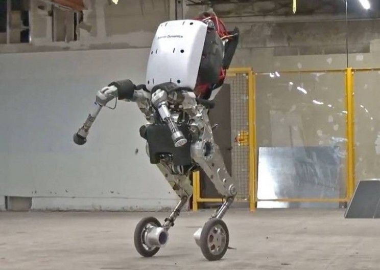 Boston Dynamics Unveils New 6.5 Foot Tall Robot Named Handle