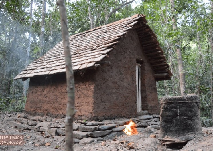 This Man Built a Tile Roof Hut from Scratch