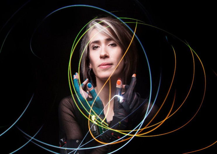 Imogen Heap's Electronic Gloves Are Reinventing How Music Is Made