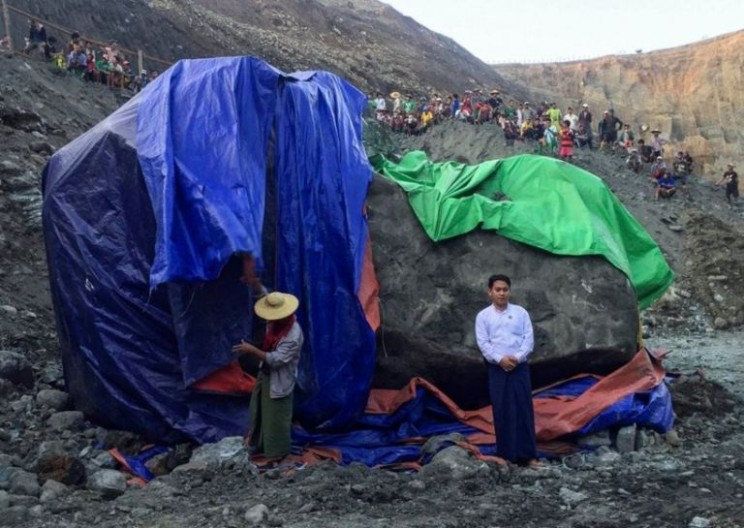 Myanmar Miners Dig Up Huge Jade Stone Worth $170 million