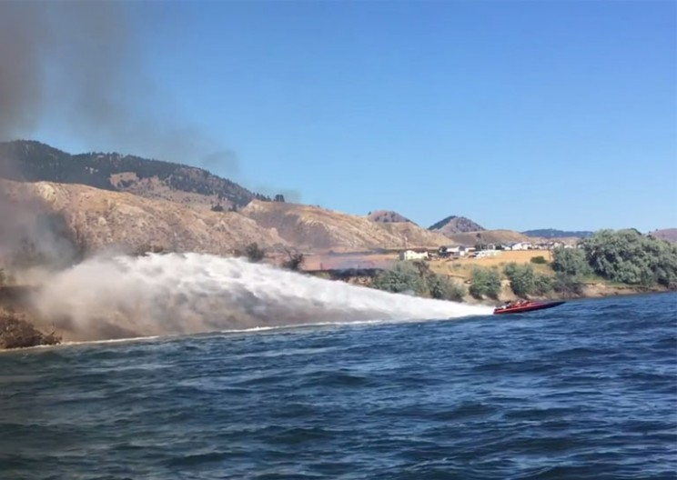 This Heroic Couple Used Their Jet Boat to Help Extinguish a Grass Fire