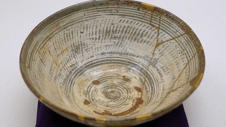 Kintsugi: The Japanese Art of Fixing Broken Pieces of