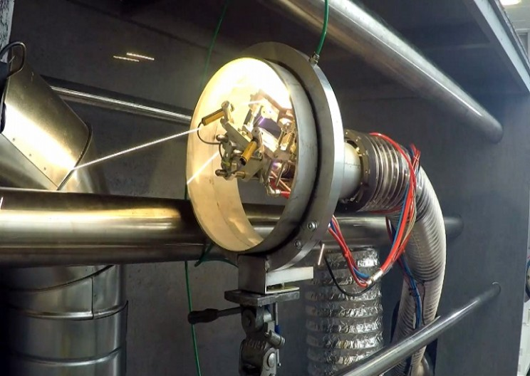 LaserPipe - The snake robot that crawls through pipes and makes welding look easy