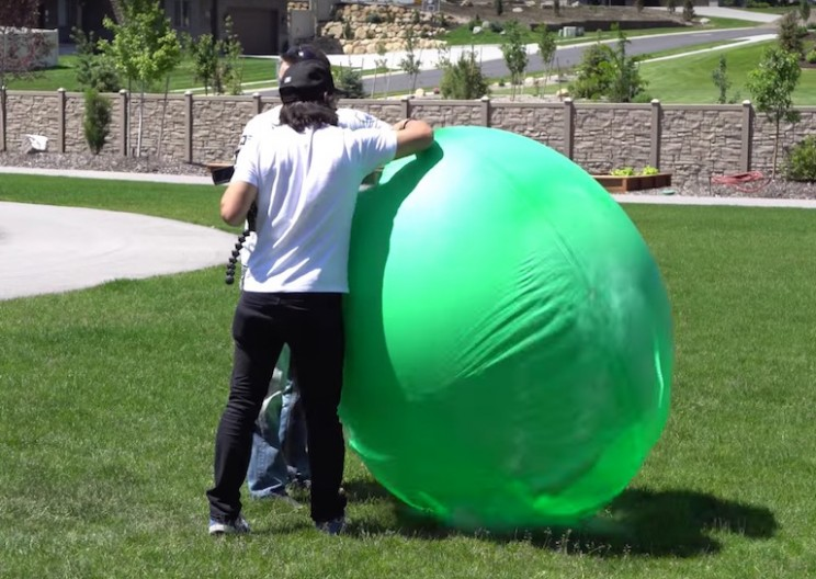 How Liquid Nitrogen Reacts with Giant 6 foot Balloons