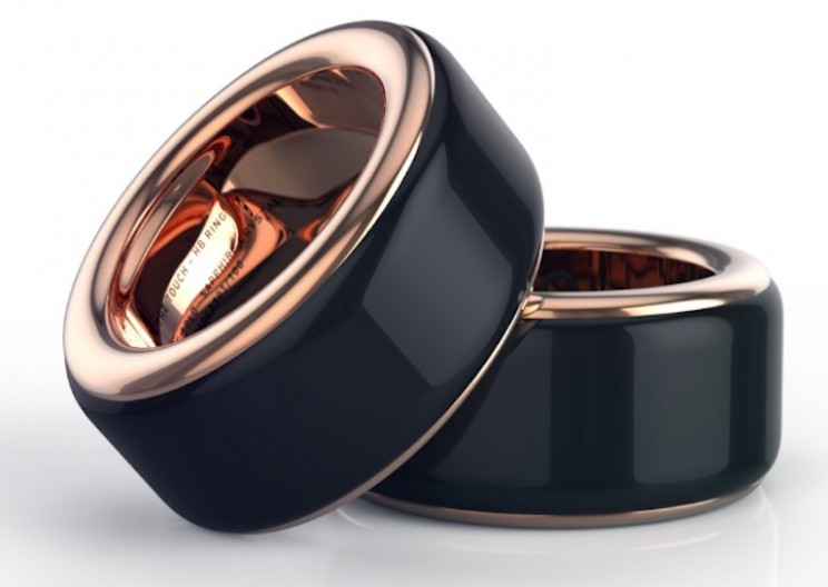 Ring Lets You Feel the Heartbeat of Your Loved Ones