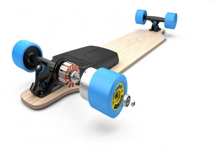 This Kit Can Transform Any Skateboard Into a Remote-Controlled Electric Board