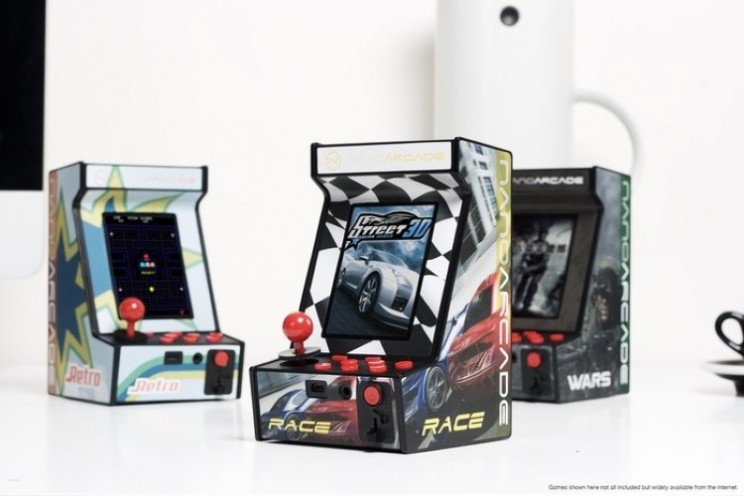 Nanoarcade puts retro arcade gaming in the palm of the hand