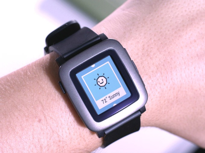 Pebble Time brings colour to smartwatch pioneers