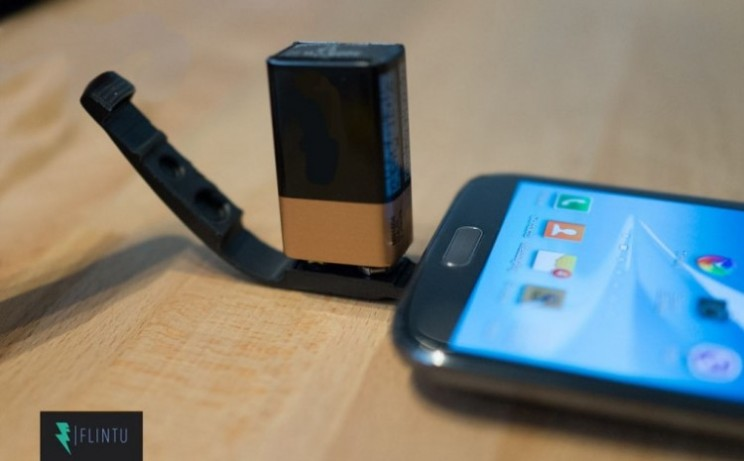 Use a 9 volt battery to charge your device thanks to Plan V