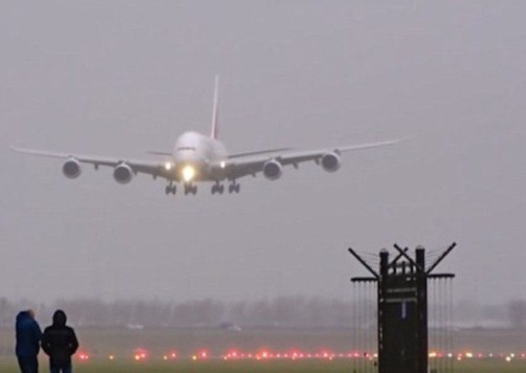 Watch These Spectacular Crosswind Landings During Storm Angus