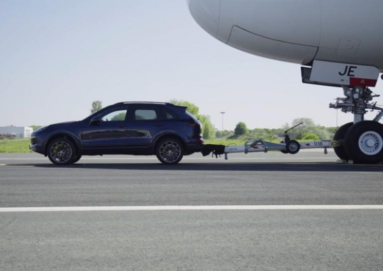 Porsche Cayenne Breaks New Record for Towing World's Largest Passenger Aircraft