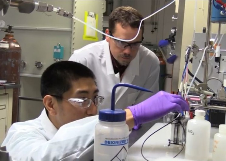 Team Discovers that Carbon Dioxide Can Be Used to Create Ethanol