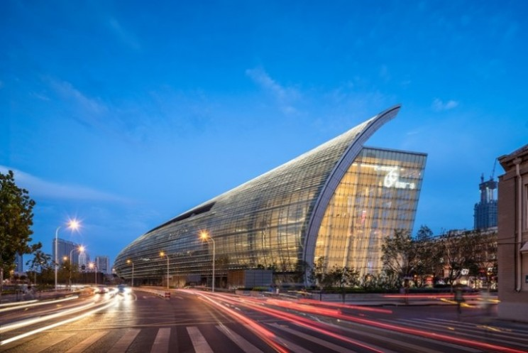 Riverside 66 has a stunning 350m curved glass façade