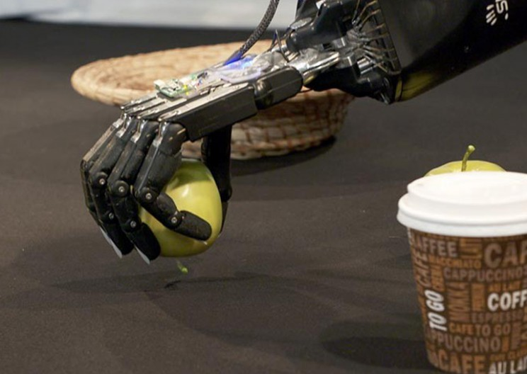 Researchers Teach Robots How to Grasp Objects Like Humans