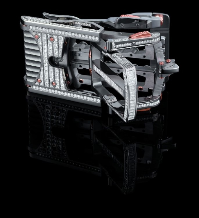 The most expensive belt buckle in the world: The Calibre R822 Predator