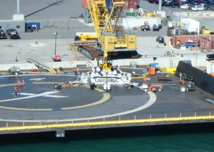 Man on Helicopter Spots Mysterious Equipment on SpaceX's Drone Ship