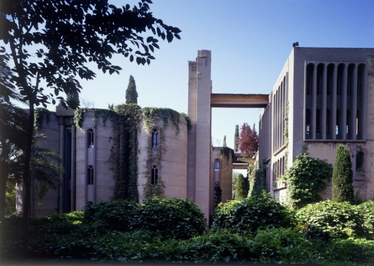 Spanish Architect Transforms an Old Cement Factory Into a Modern Castle