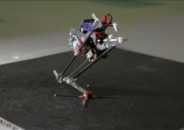 This Tiny Robot Scales Walls With Spider-Man Style Agility